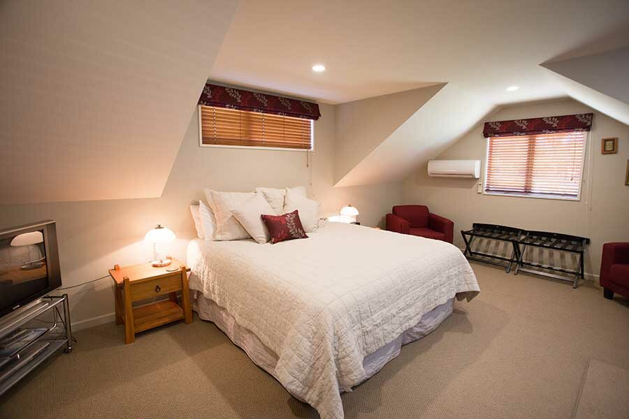 The Cardrona Lodge Room – Hosted Wanaka Accommodation