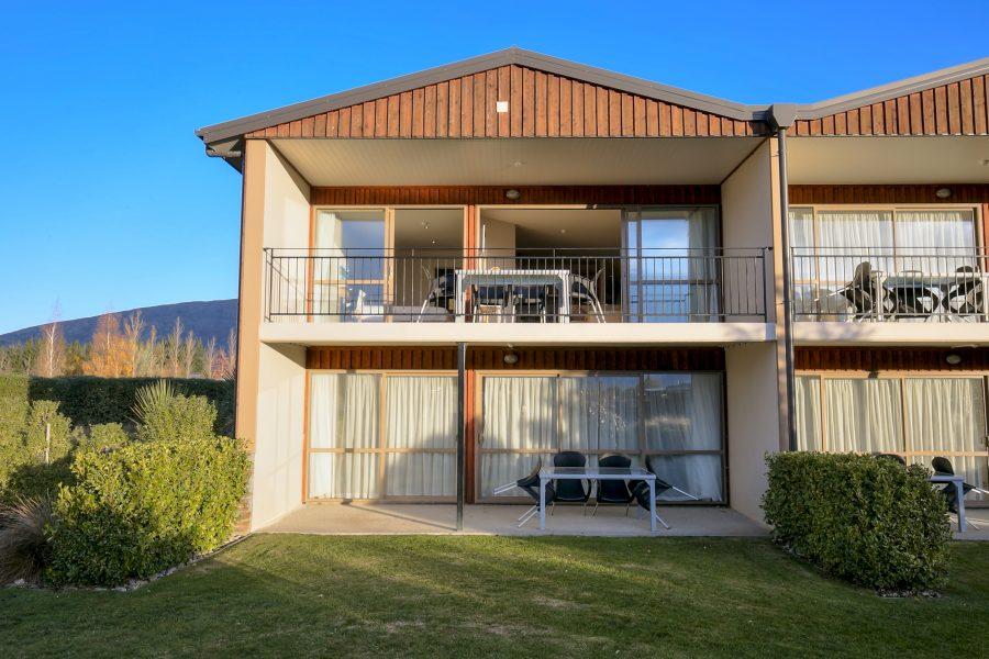 Mountain Range Retreat – 2 Bedroom Apartment